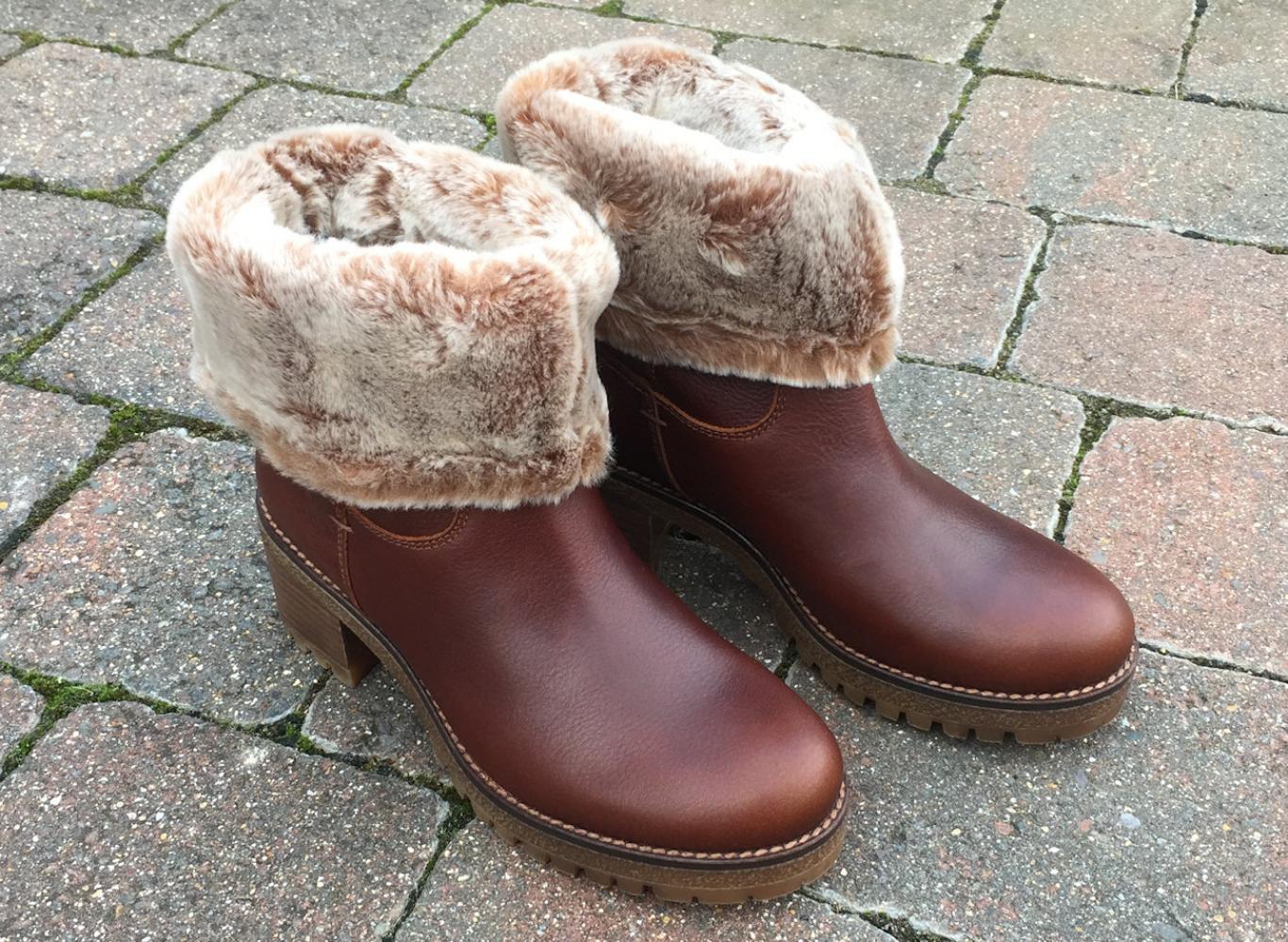 Бордовые ботинки с мехом