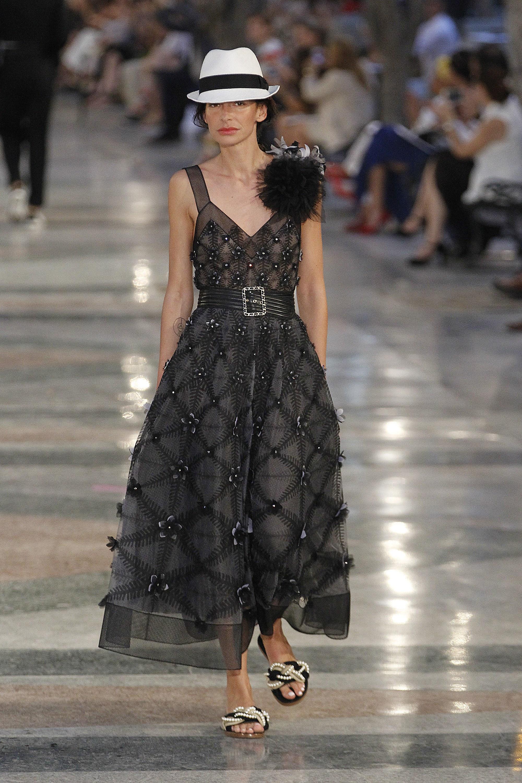 Черное платье Шанель 2017