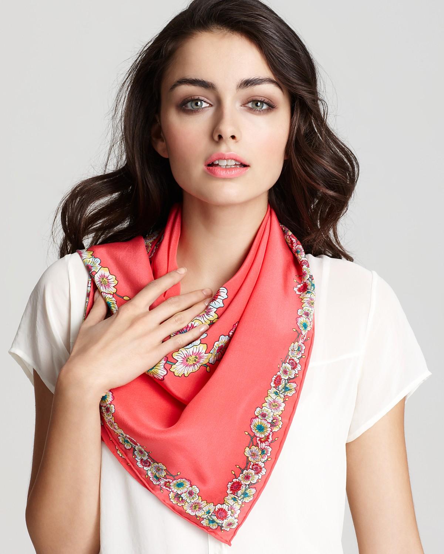 Шелковый шарф цветочный