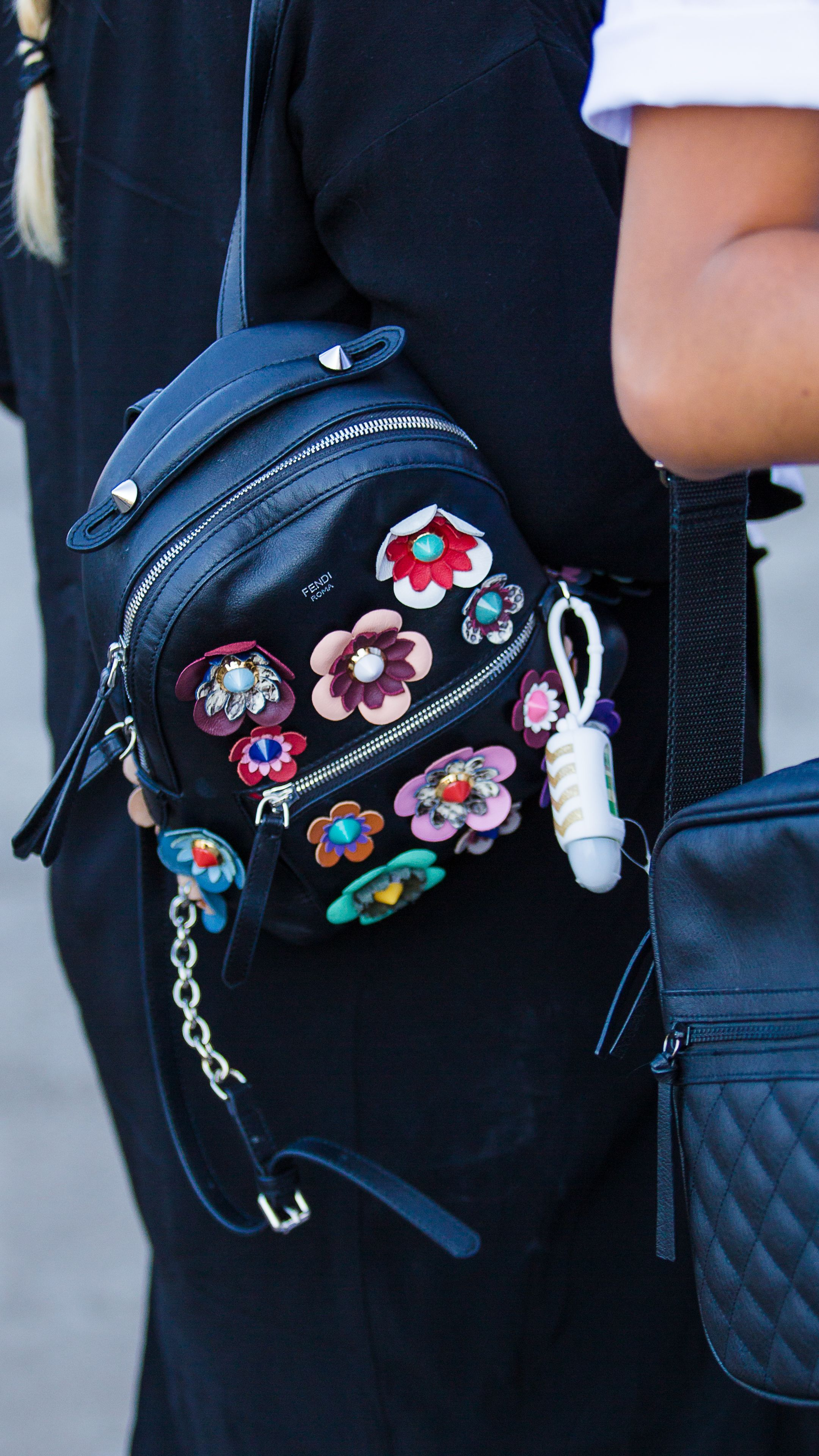 Городской рюкзак с цветами
