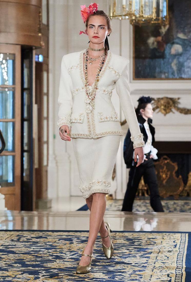 Шанель 2017 костюм с декором