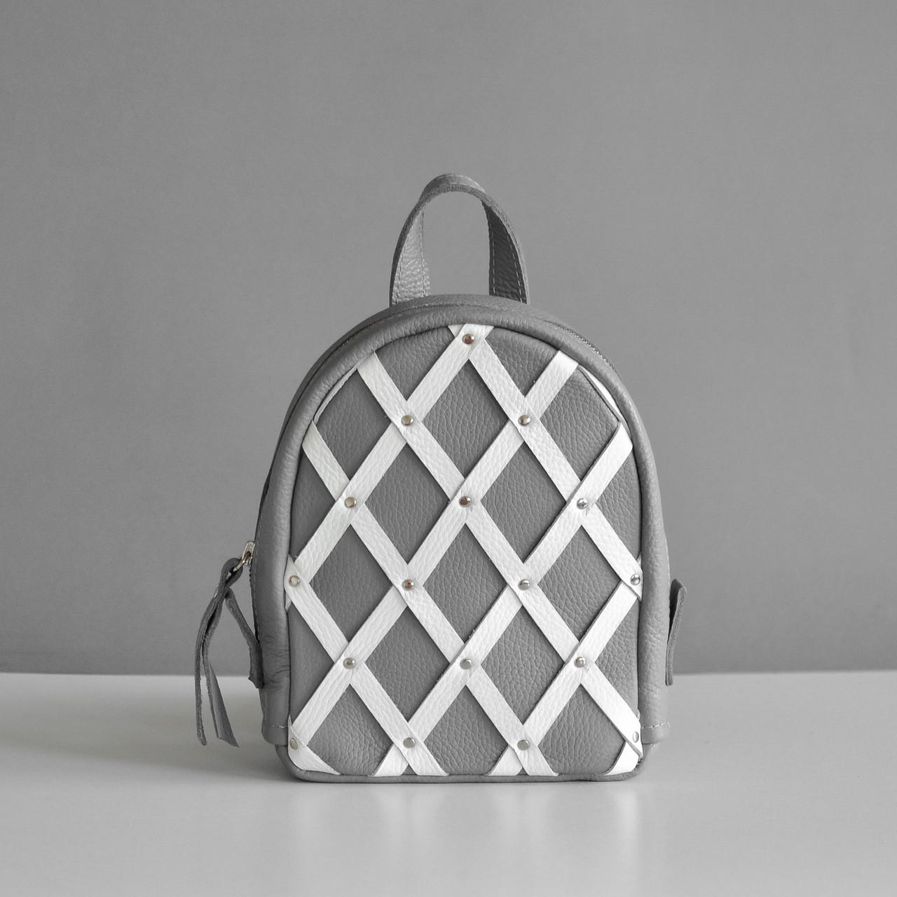 Серый рюкзак с декором