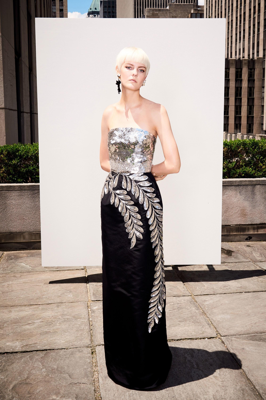 Платье на новый год 2018 в серебряном дизайне