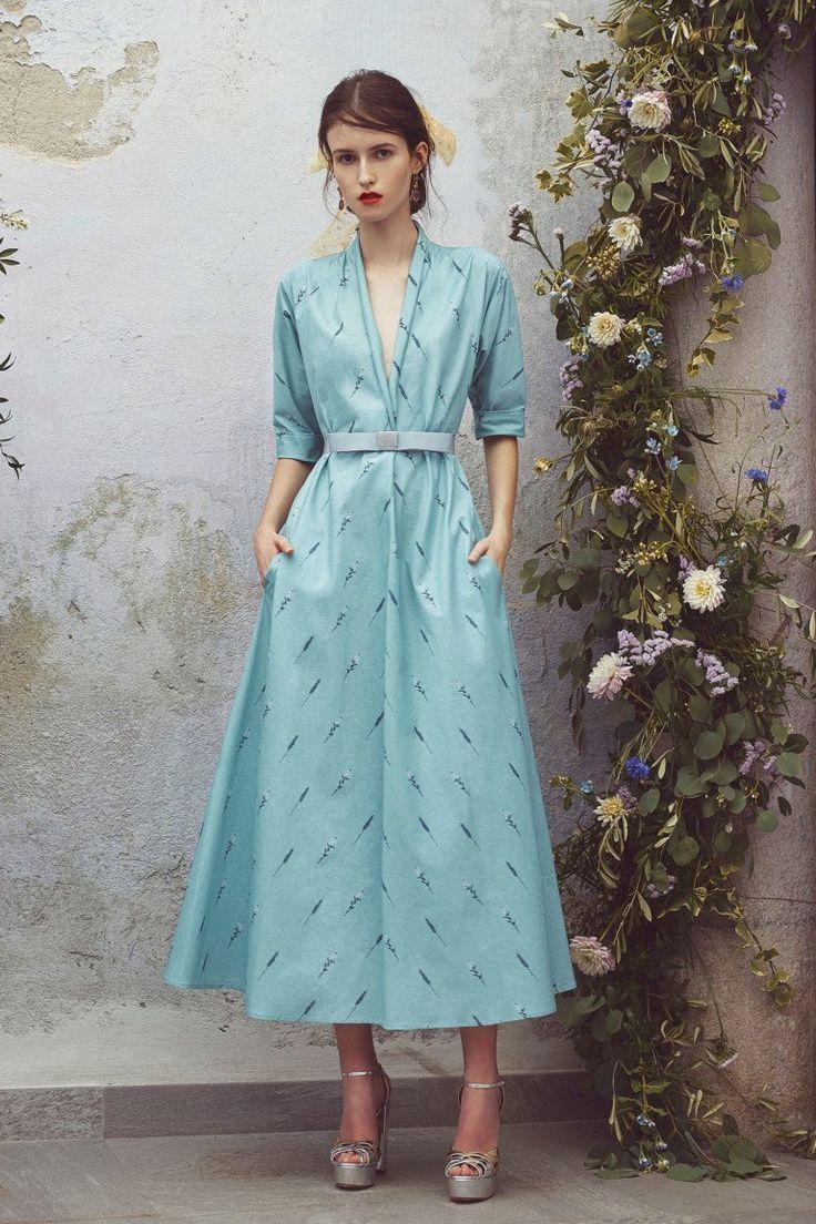 Голубое платье на новый год 2018