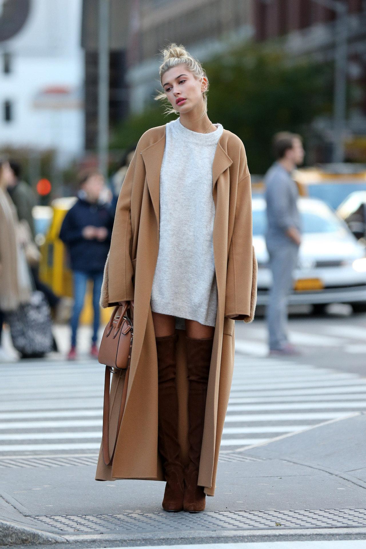 С чем носить ботфорты коричневые