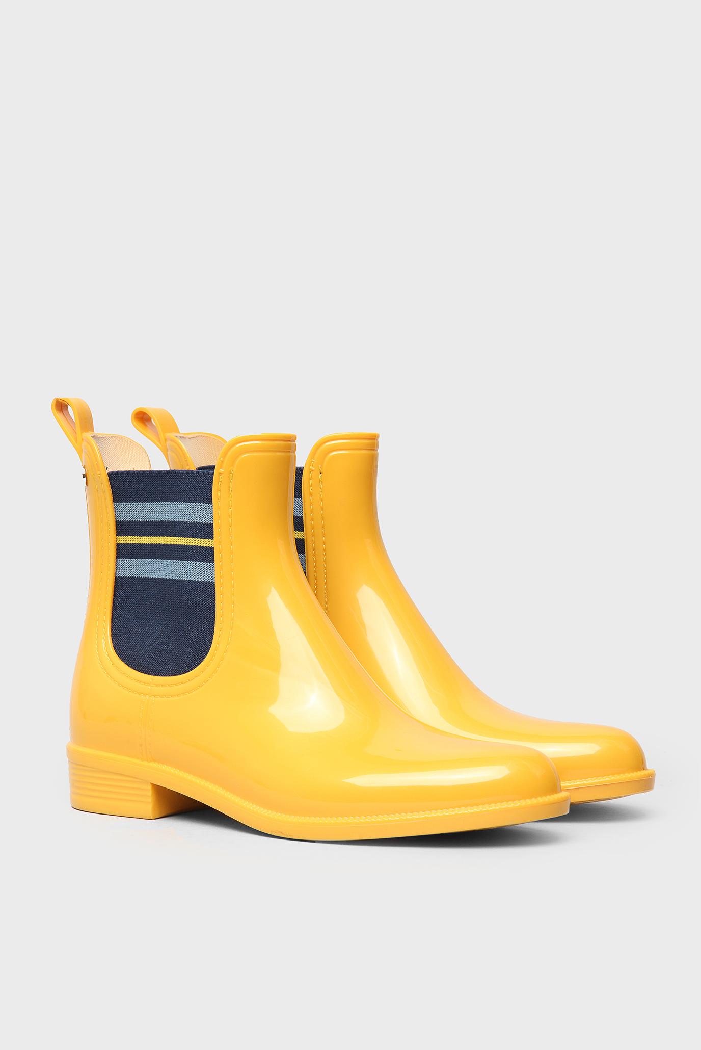 Короткие желтые ботинки