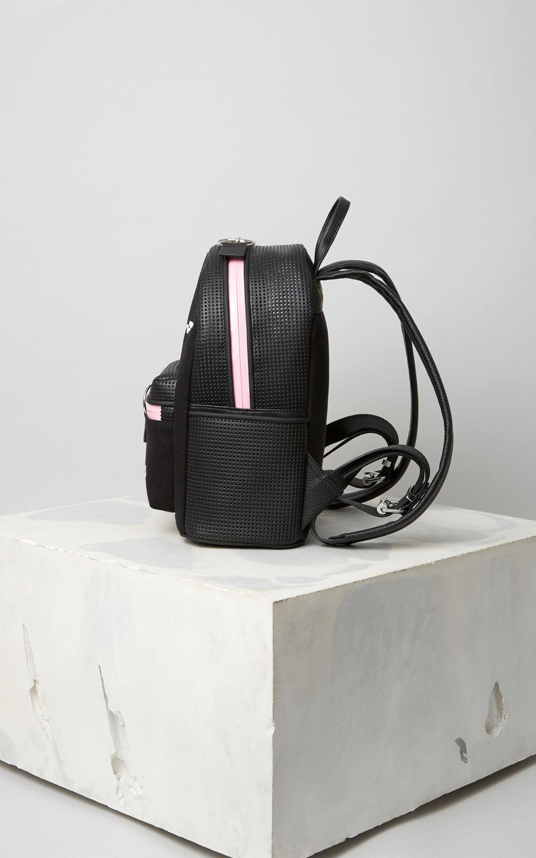 Маленький рюкзак из кожи
