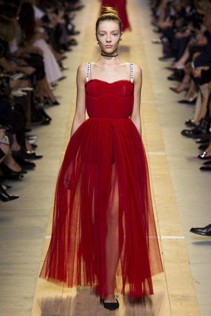 Платье красное на новый год 2018