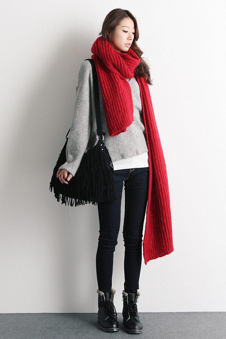 Вязаный шарф красный