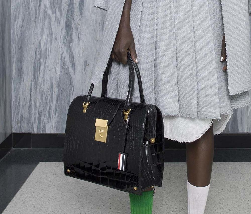 Деловая сумка лаковая