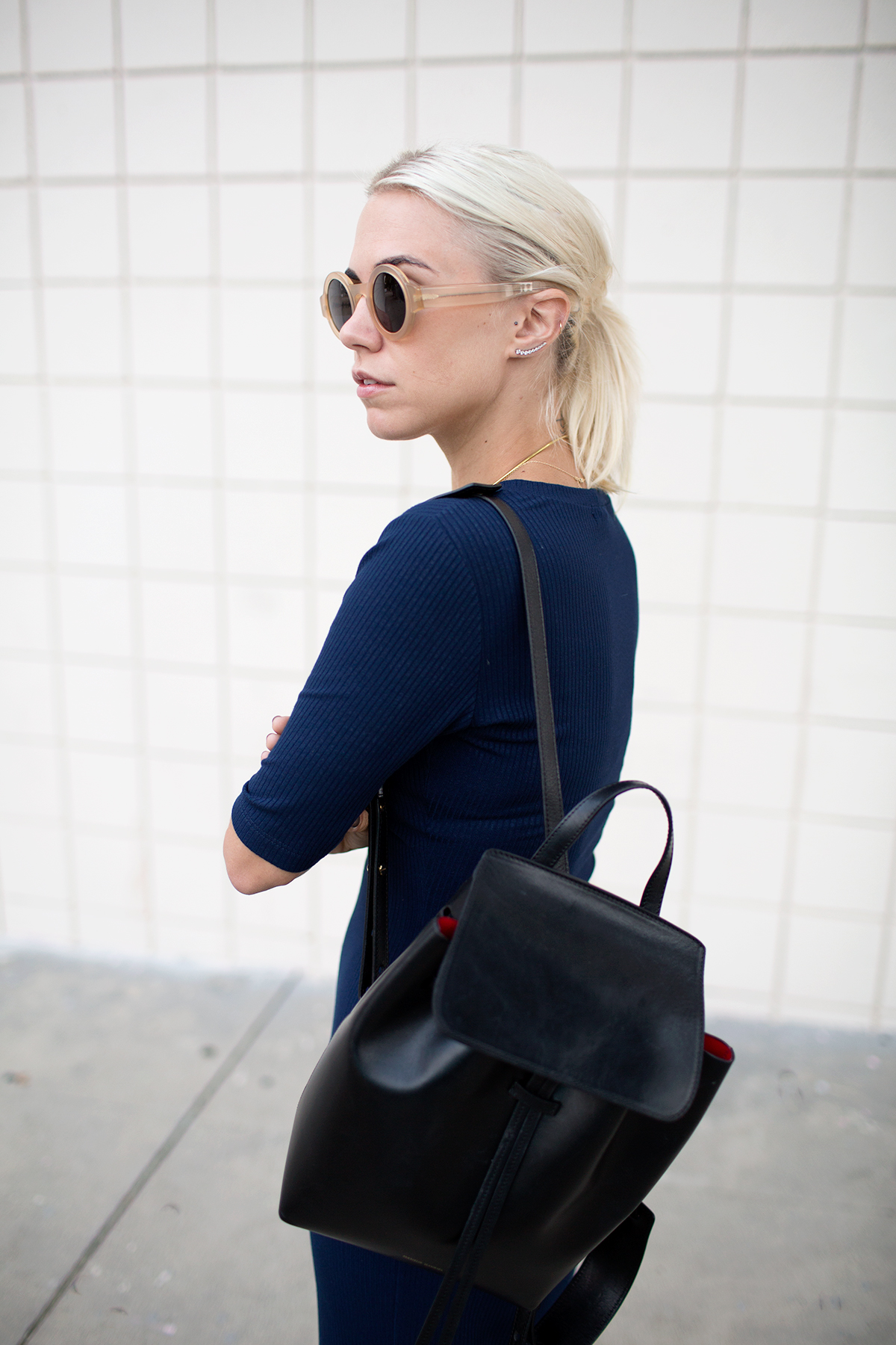 Черный рюкзак лаконичный