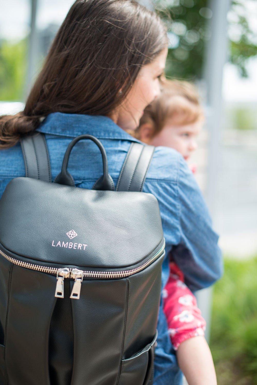 Черный рюкзак на молнии