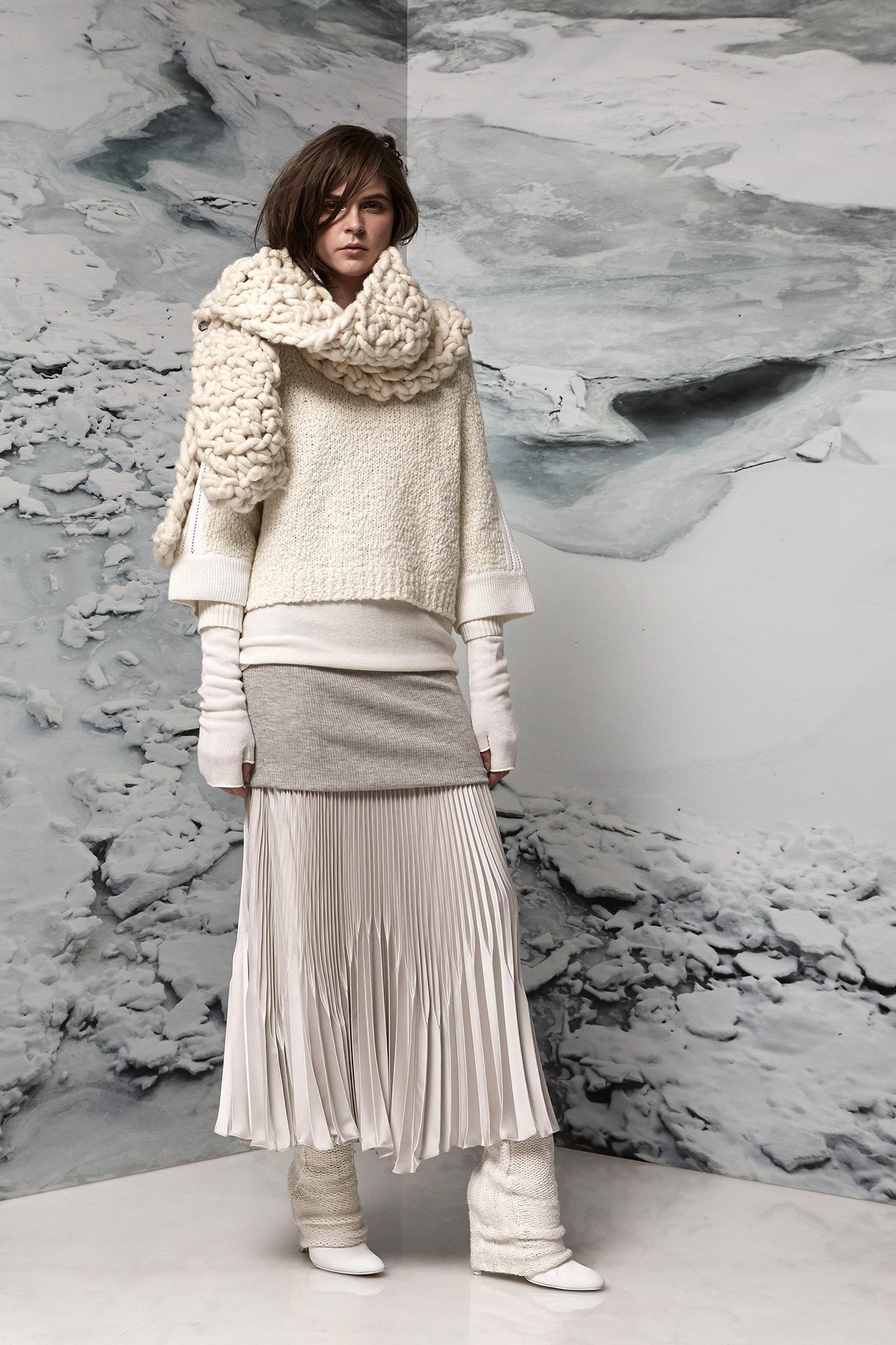 Вязаный шарф объемный