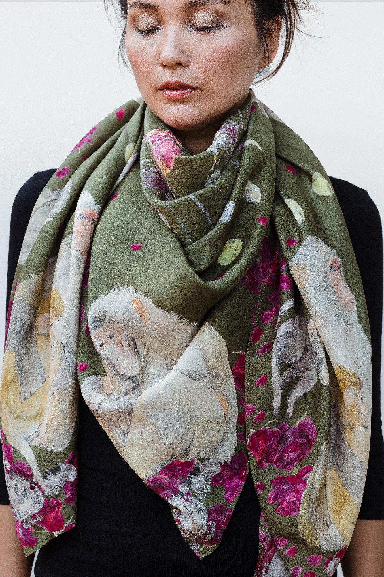 Шелковый шарф с обезьянками