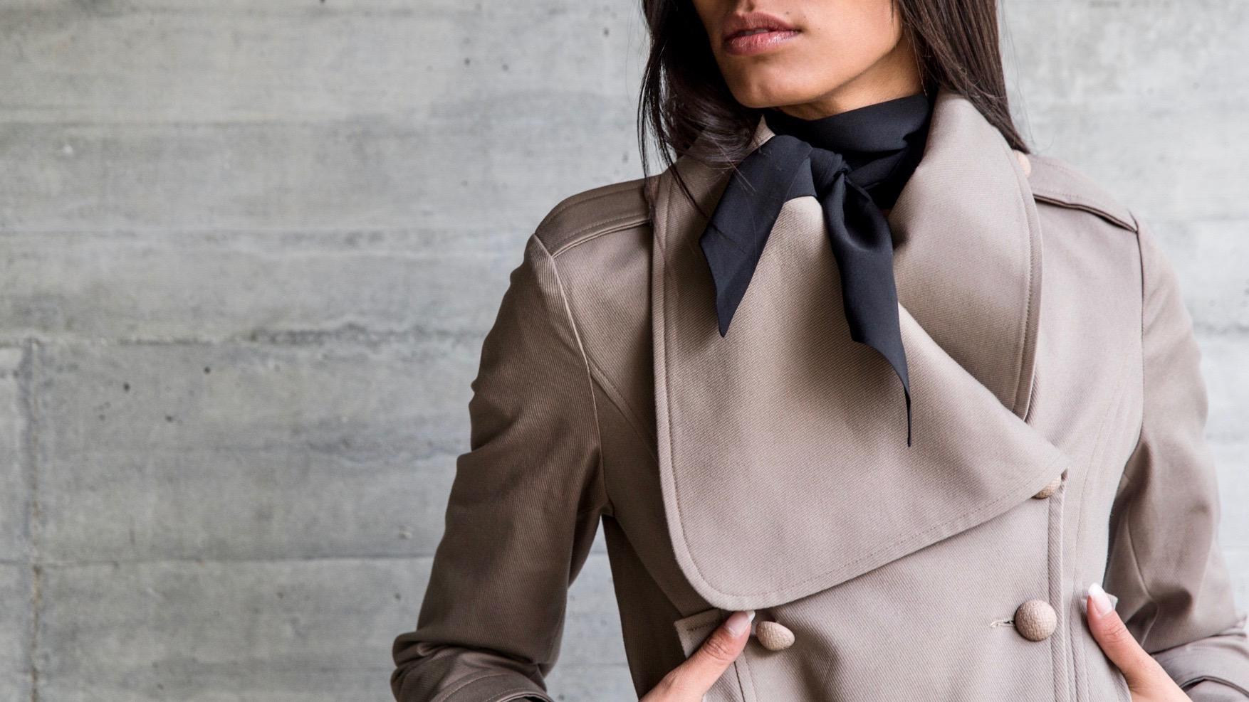 Шелковый шарф черный однотонный