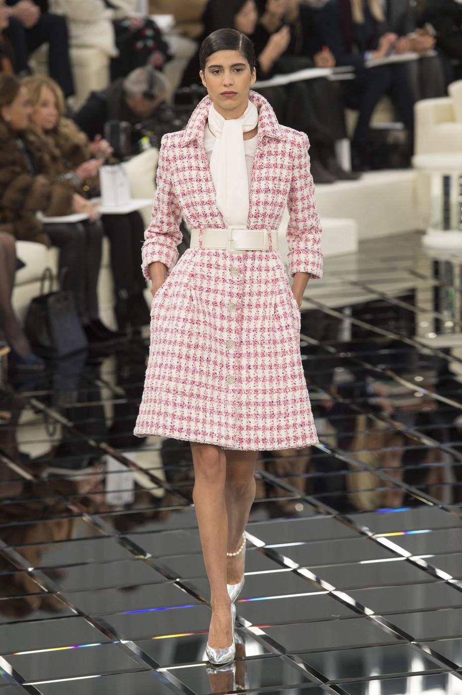Шанель 2017 пальто