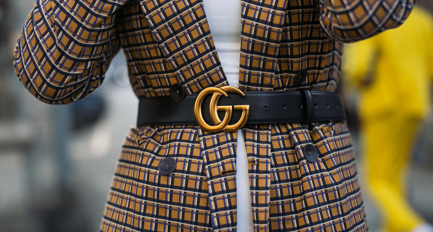 Кожаный ремень с пальто