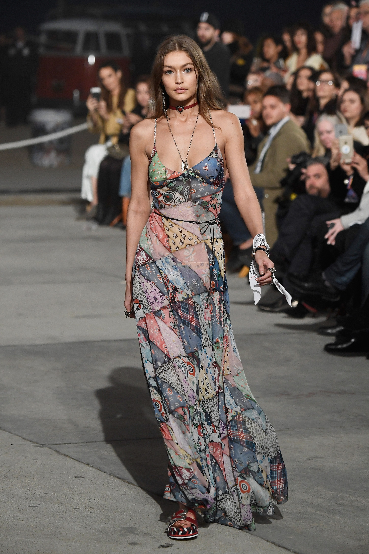 Джиджи Хадид в платье