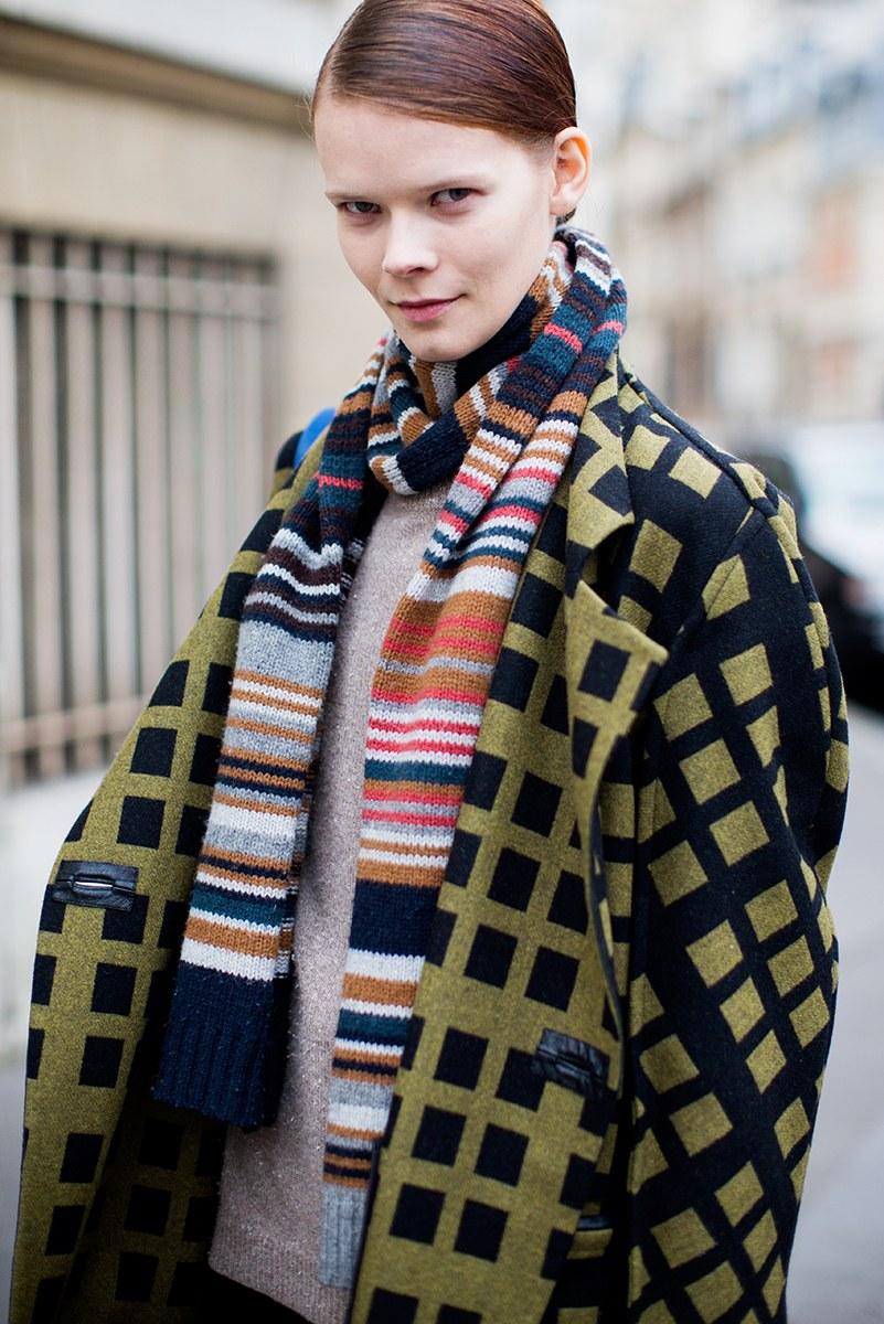 Вязаный шарф полосатый