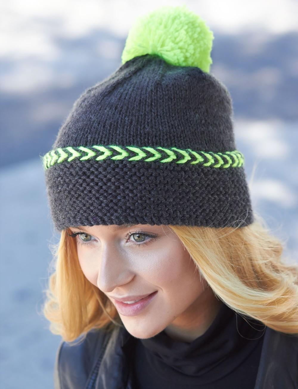Вязаная шапка серая