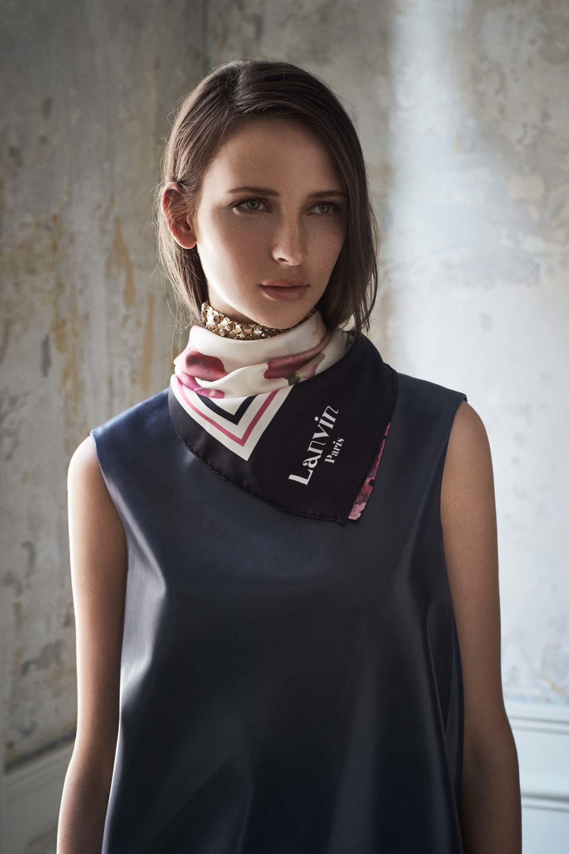 Шелковый шарф на шею