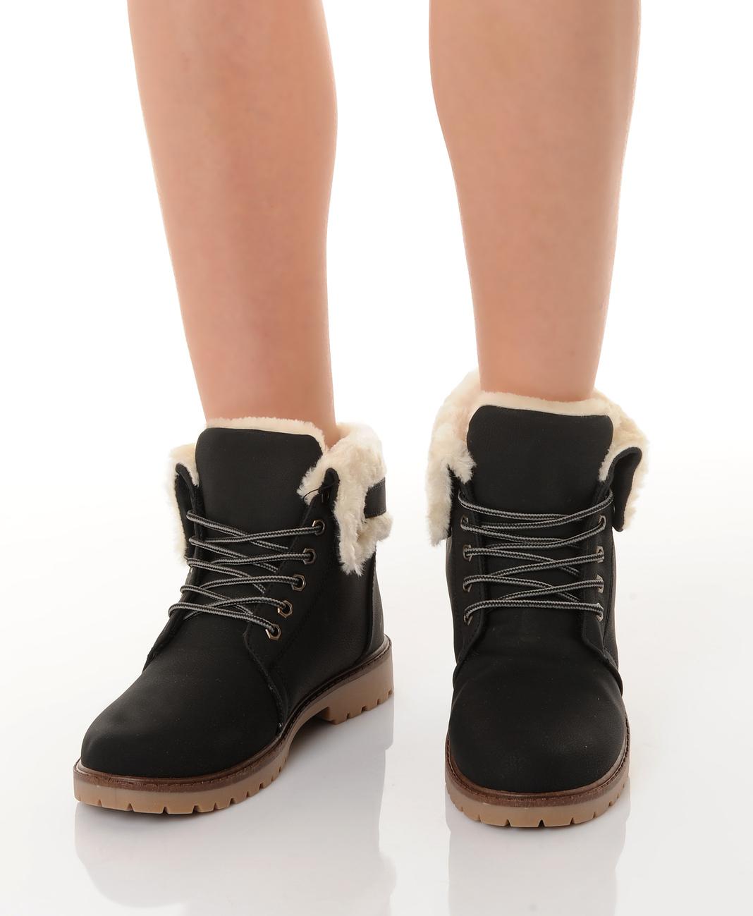 Ботинки с мехом на шнуровке