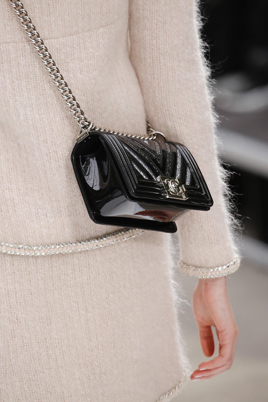 Шанель 2017 сумка лаковая