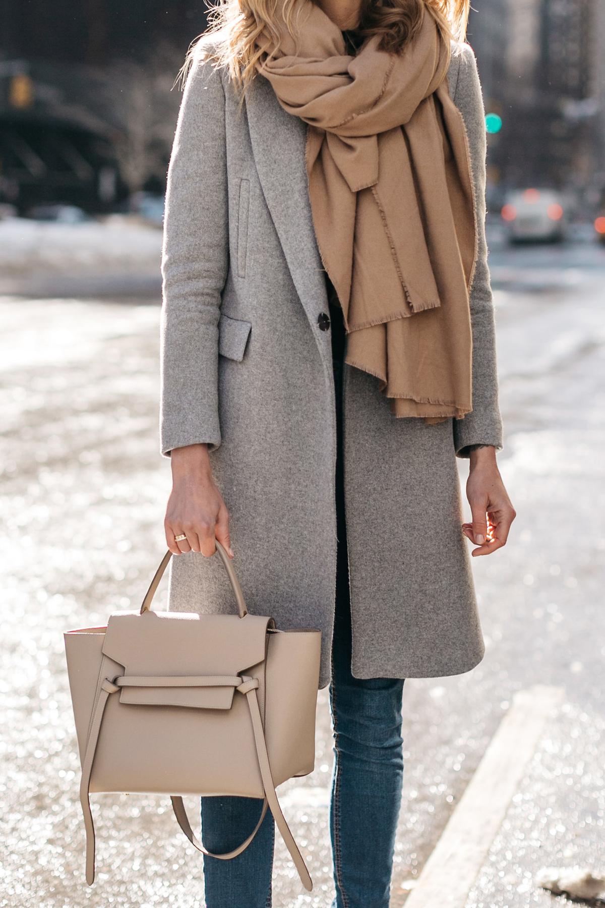 Деловая сумка светлая
