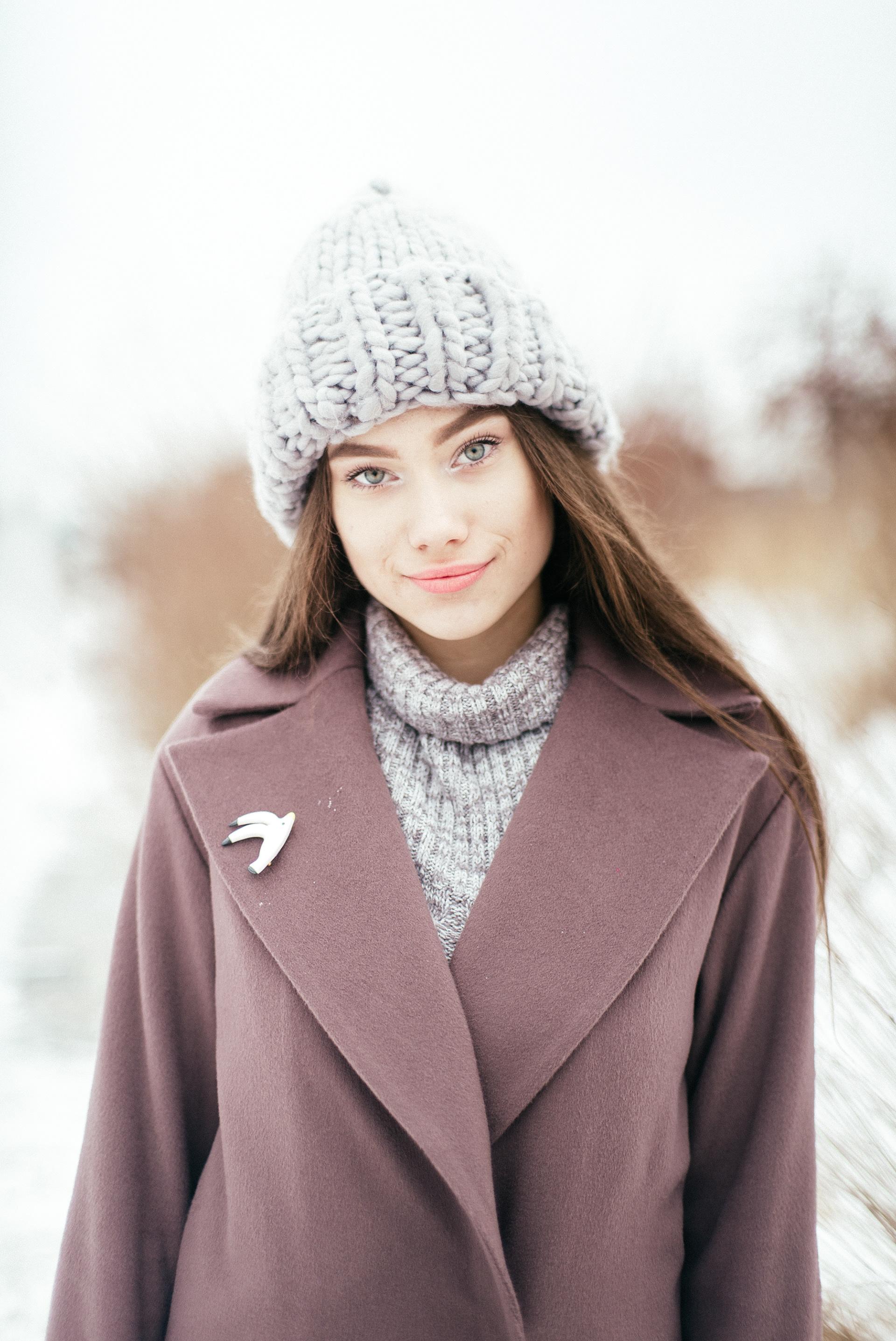 Вязаная шапка светлая