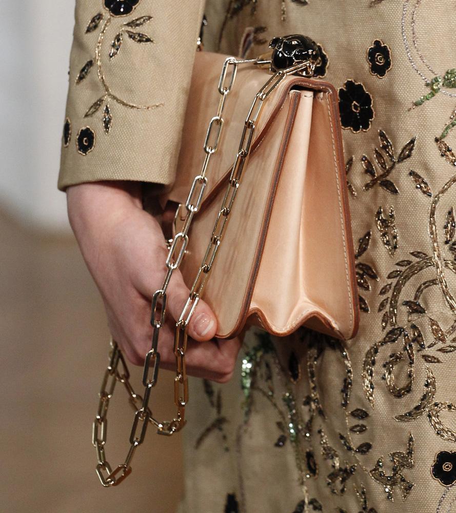 Бежевая сумка Valentino