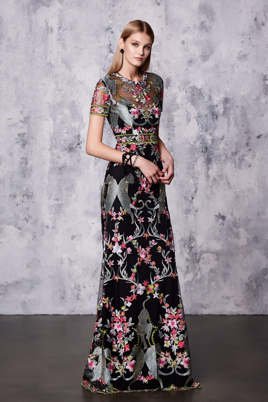 Платье с вышивкой на новый год 2018