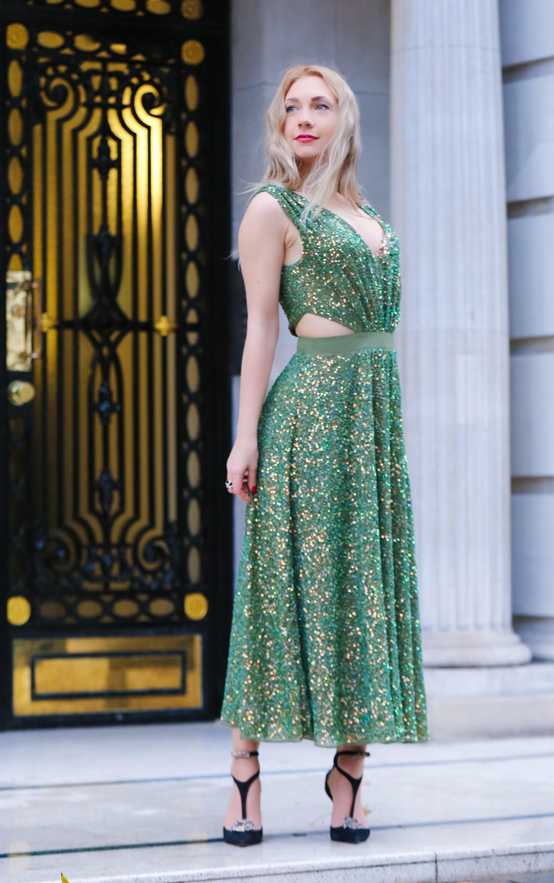Зеленое платье на новый год 2018