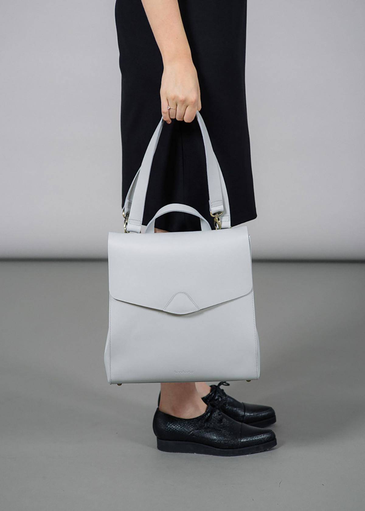 Серый рюкзак женский