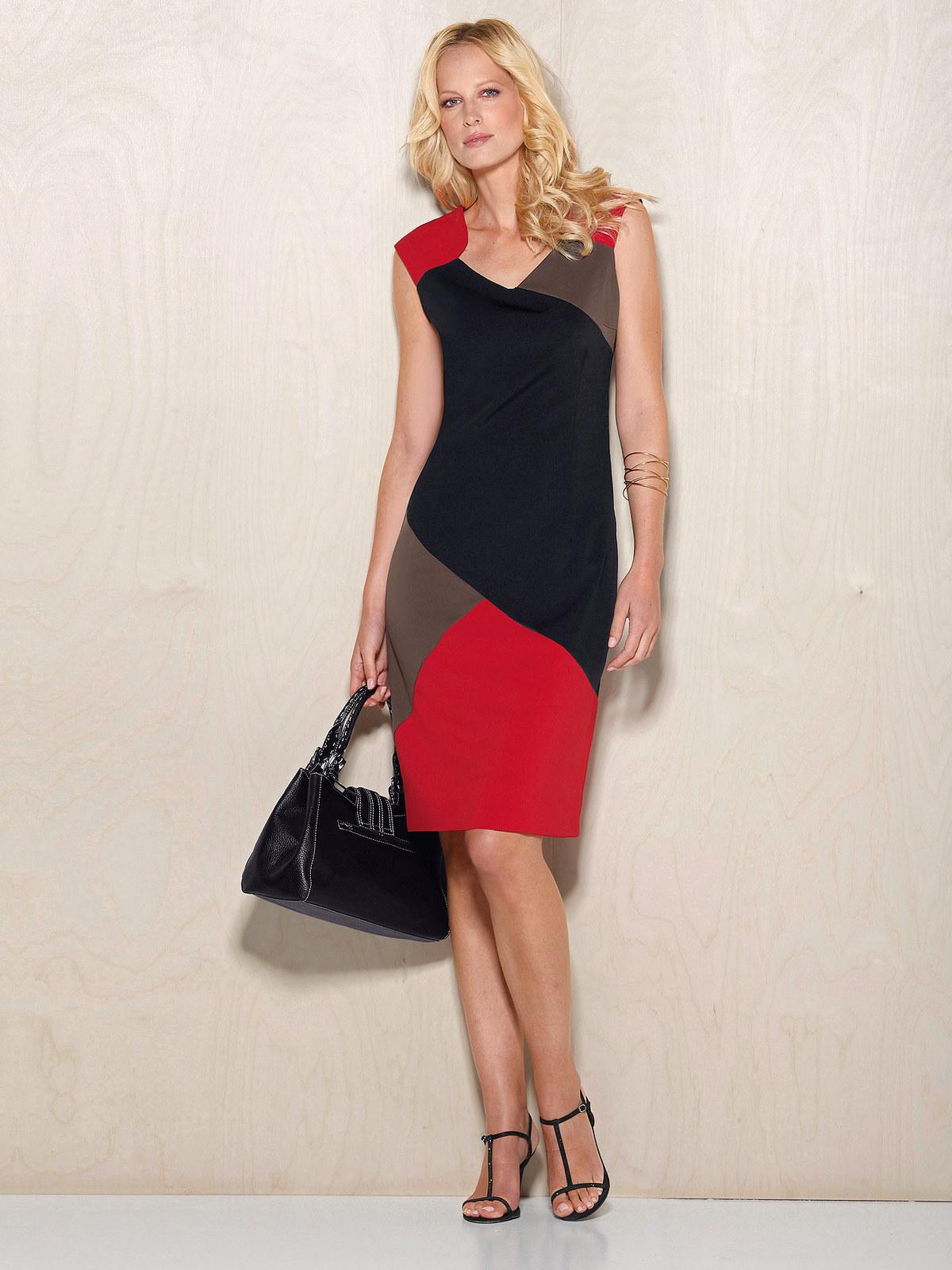 Платье для женщины 40 лет разноцветное