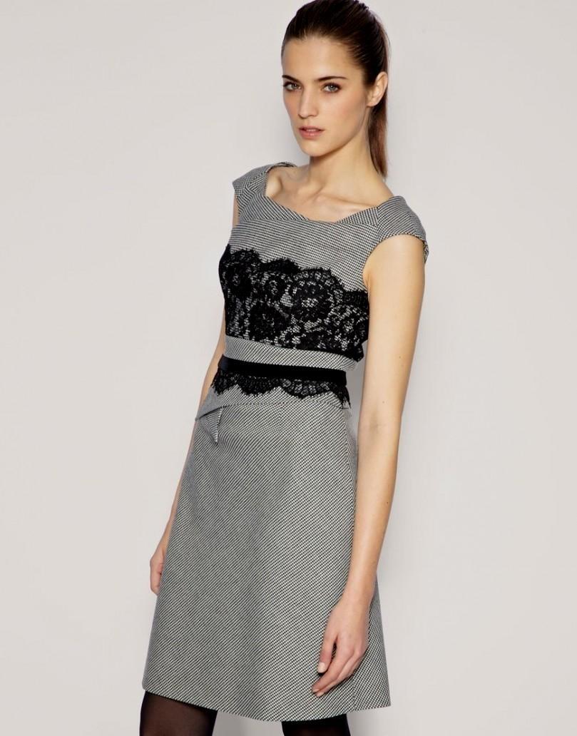 Платье для женщины 40 лет с декором