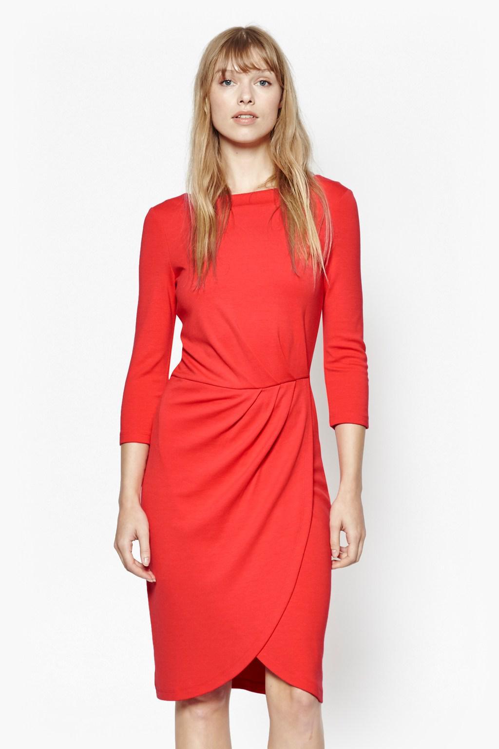 Платье для женщины 40 лет с драпировкой