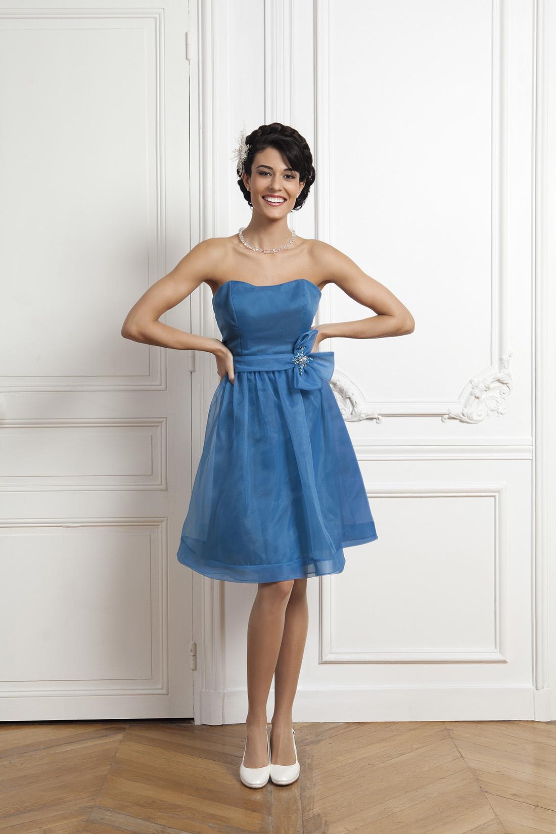Коктейльное платье 2018 голубое