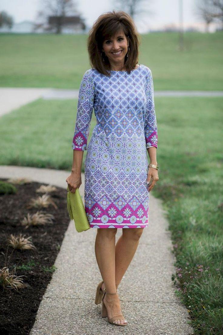 Платье для женщины 40 лет голубое