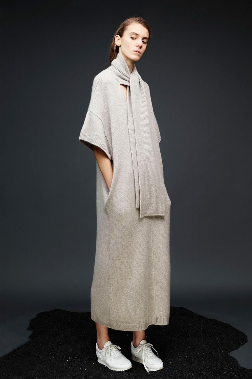 Платье зима 2018 с коротким рукавом