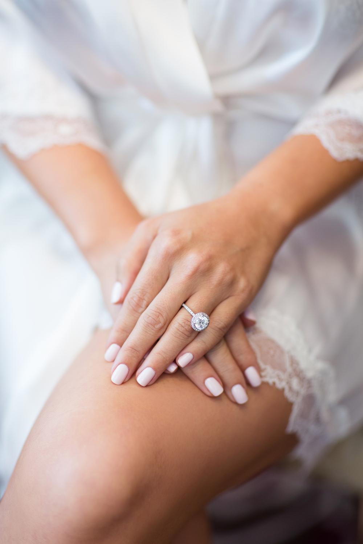 Свадебный маникюр 2017 лаком