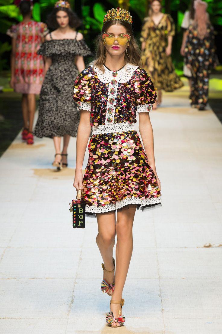 Дольче габбана весна лето 2017 платье с пайетками