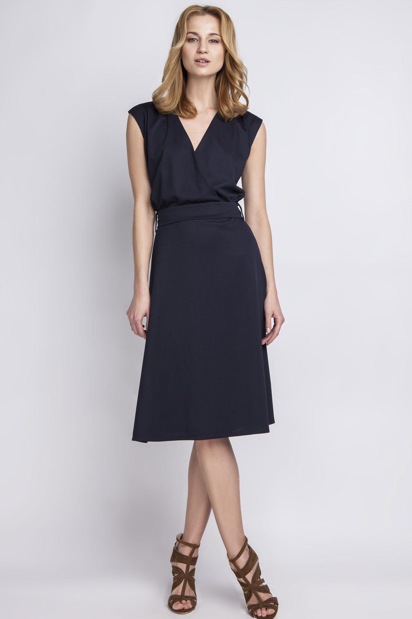 Платье для женщины 40 лет миди