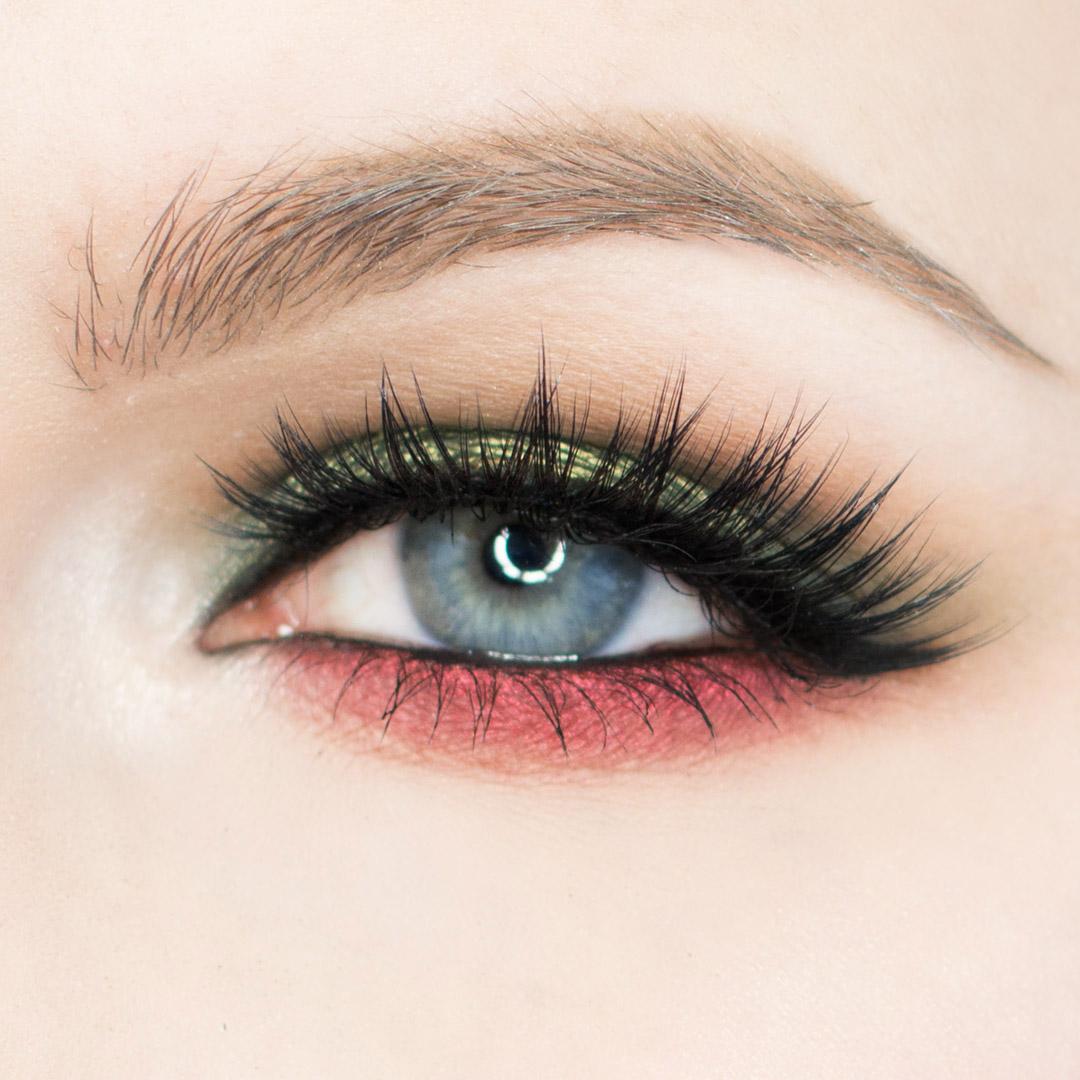 Красный макияж нижних век