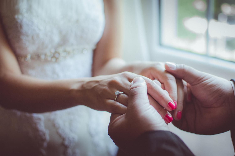 Свадебный маникюр 2017 однотонный