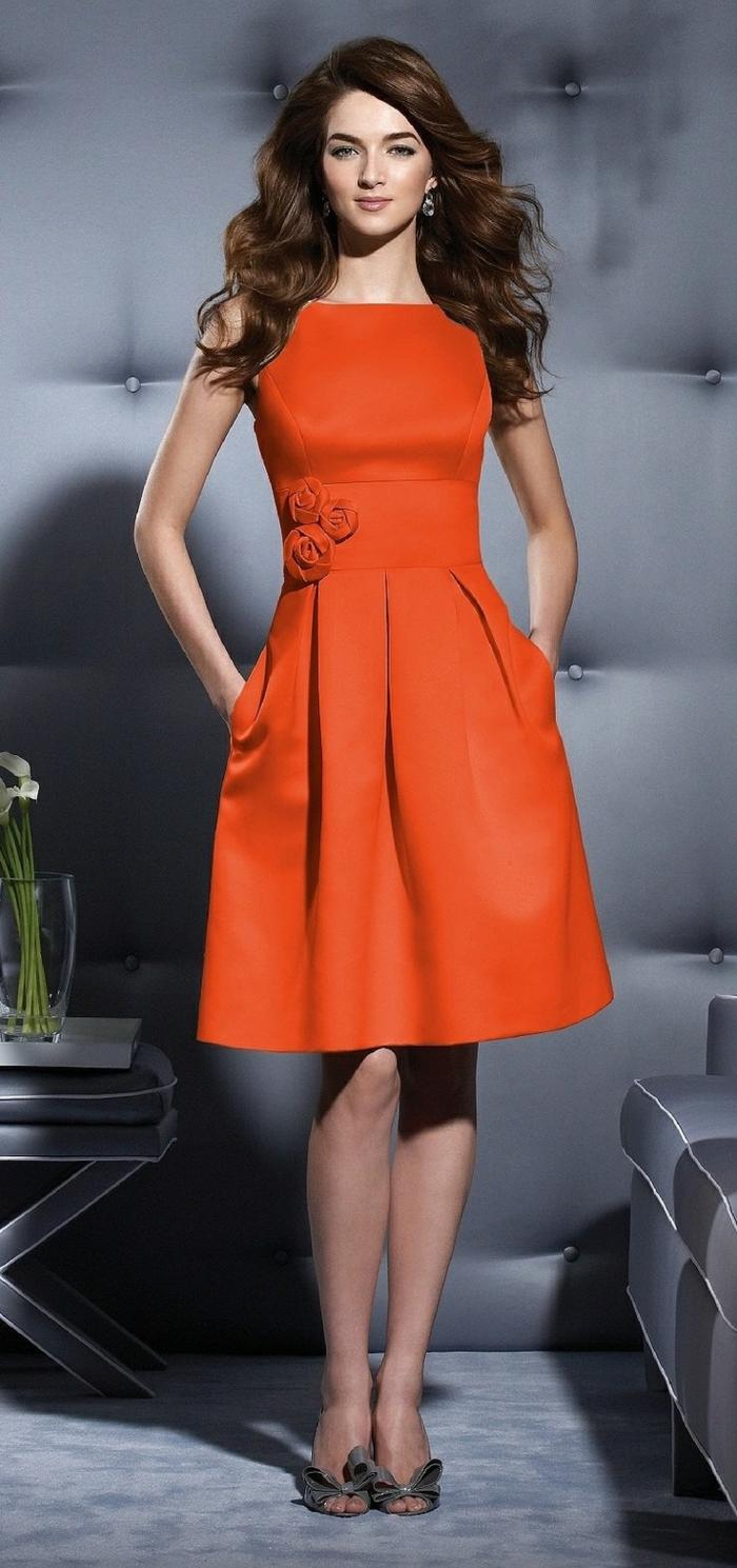 Платье для женщины 40 лет оранжевое
