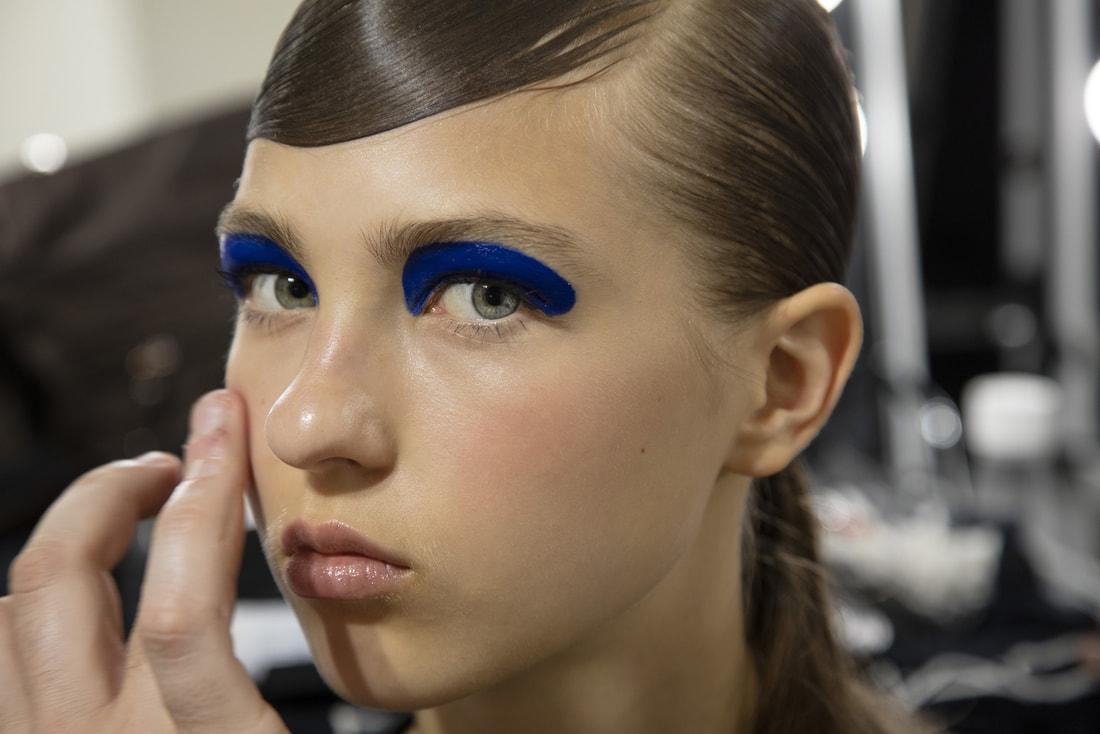 Синий макияж однотонный