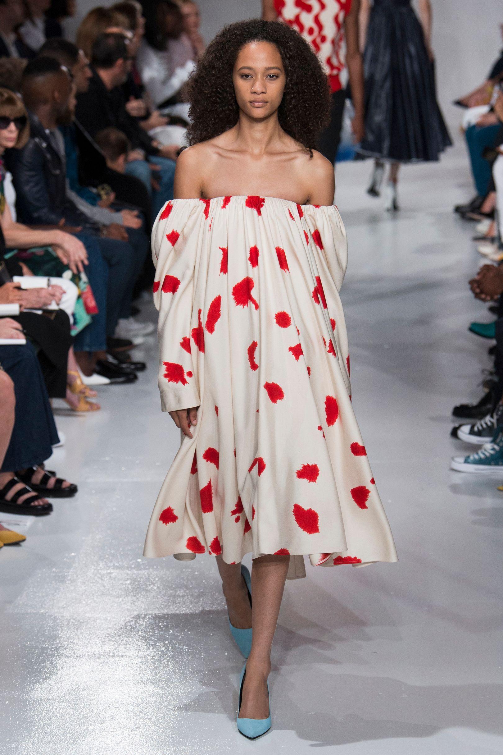 Кельвин кляйн 2018 платье с принтом