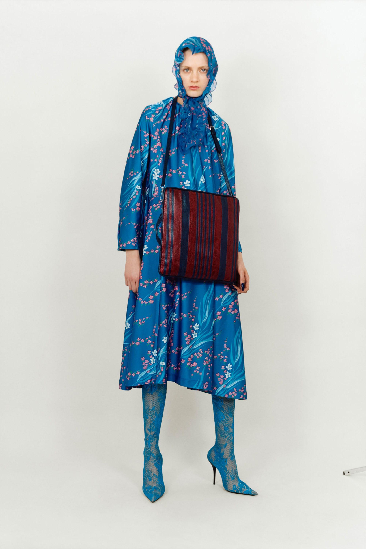 Balenciaga голубое платье 2018