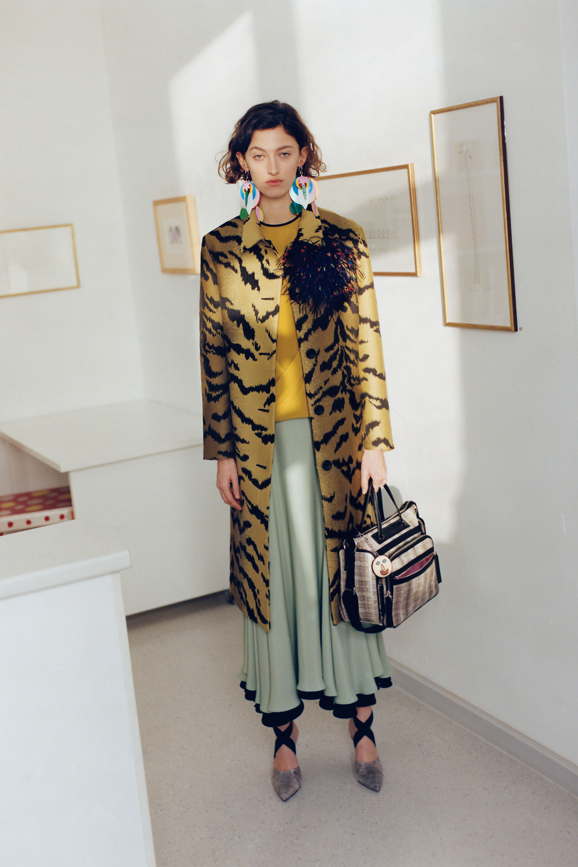 Balenciaga пальто под зебру 2017