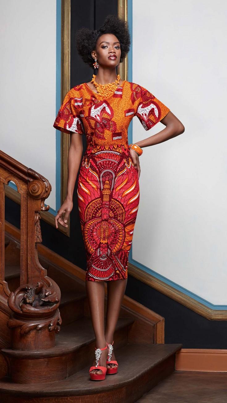 Платье для женщины 40 лет с принтом